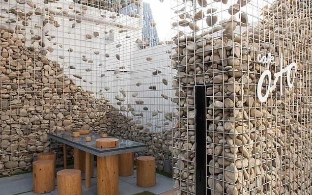 Wire mesh trends - Alto Cafe by Bono Design