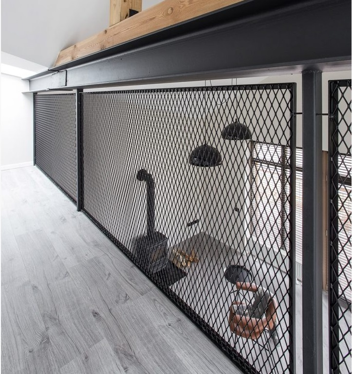 Wire mesh trends - loft balustrade in Traika