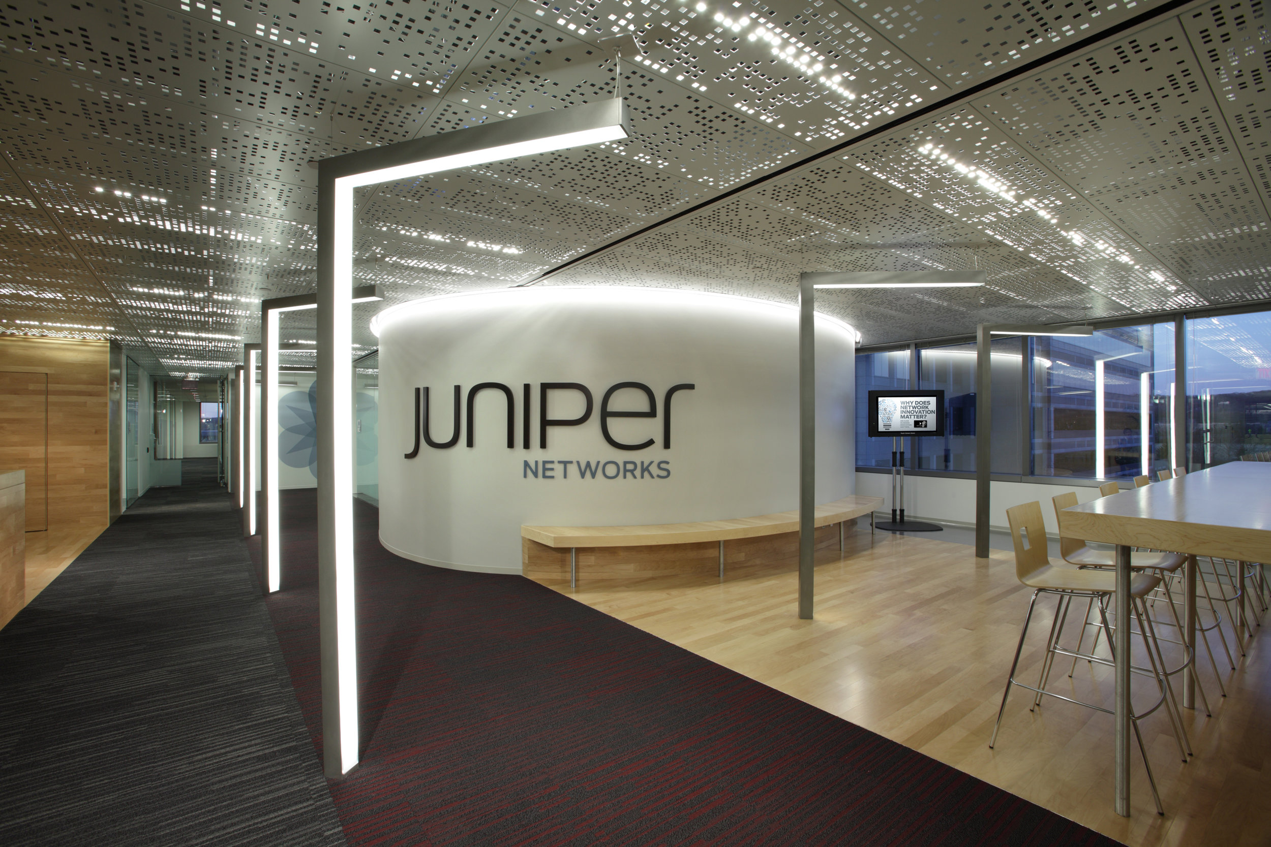 Metal ceiling - perforated metal - Juniper office