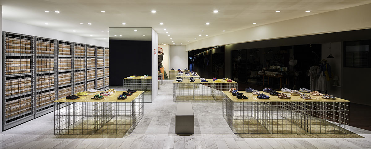 retail store design tips - use metal mesh- Arrow Metal