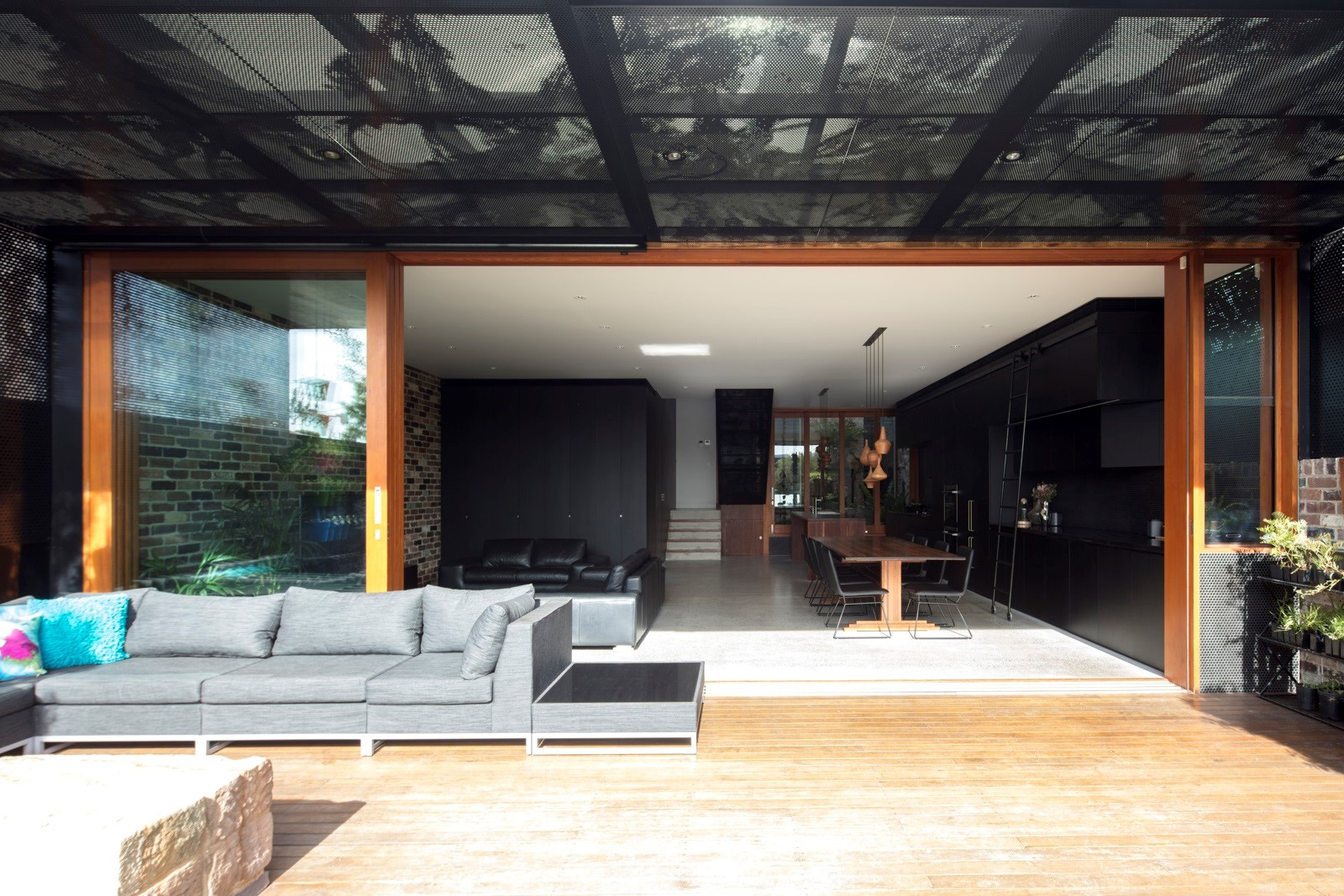 Interior trends 2019 - black interiors - metal panels by Arrow Metal