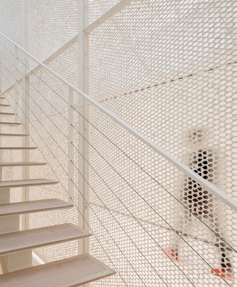 NEW WAYS TO USE ARCHITECTURAL MESH - office fit out