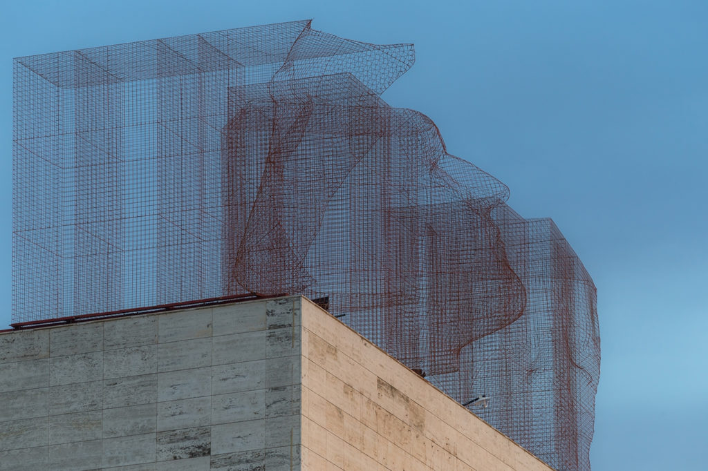NEW WAYS TO USE ARCHITECTURAL MESH - artistic sculpture